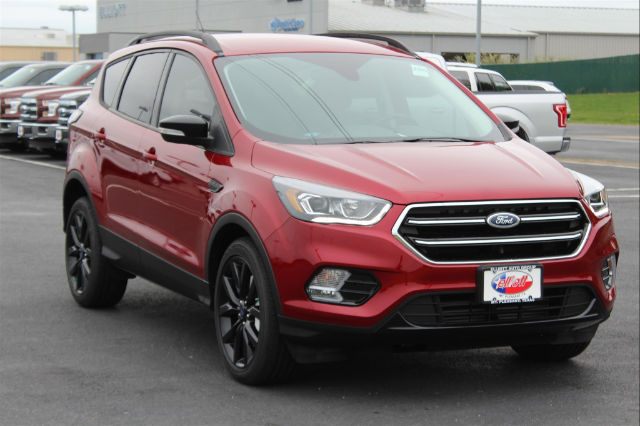 New Ford Escape Titanium Suv In Mount Pleasant